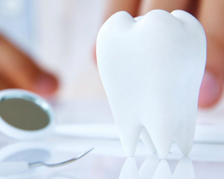 Bembeyaz Dişlere Sahip Olmak İçin İzlemeniz Gereken Adımlar - Batı Ortodonti